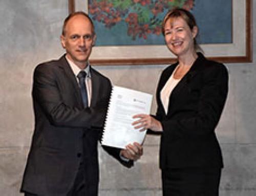 APSA and WorldVeg sign agreement