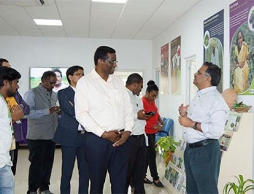 Seychelles minister visits WorldVeg South Asia